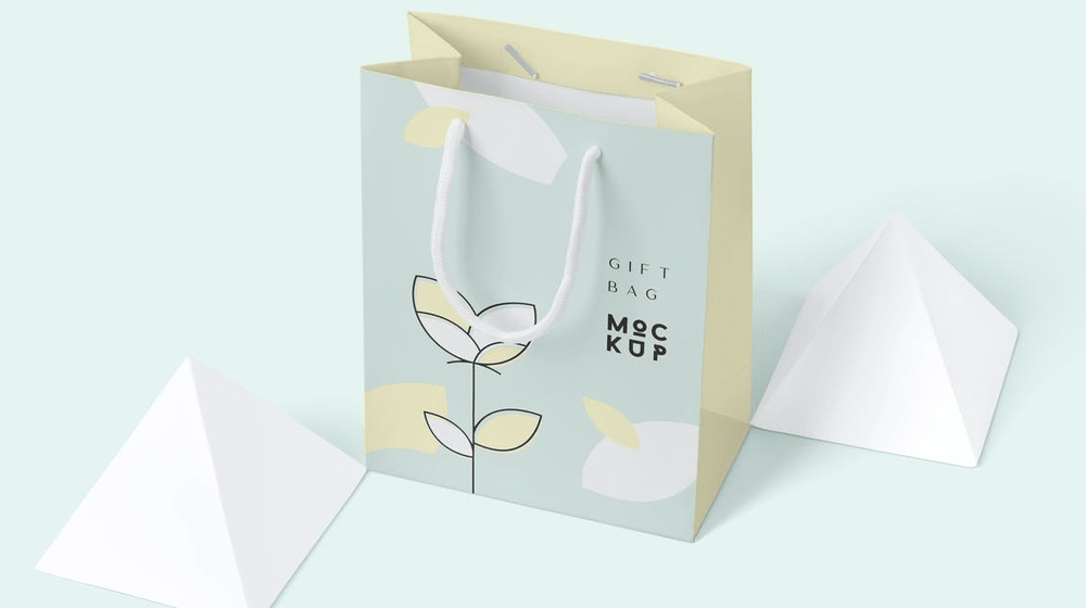 15+ Brilliant Gift Bag Mockup PSD Templates